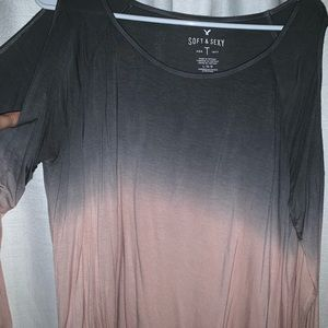 Ombré American Eagle opened shoulder shirt